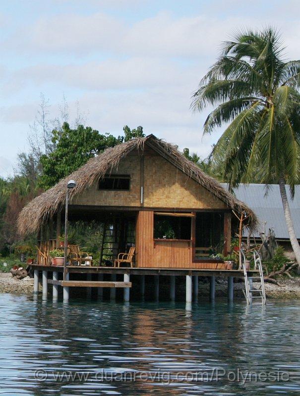 index albums photos polynesie huahine maison au bord de l eau. Black Bedroom Furniture Sets. Home Design Ideas